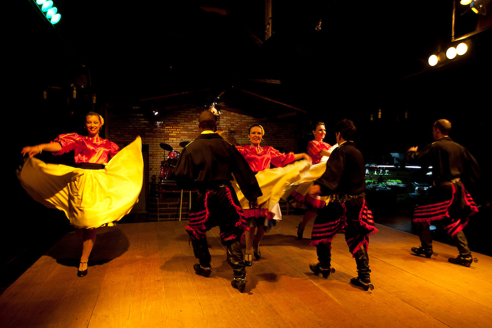 Porto Alegre_RS, Brasil...Apresentacao de chimarrita em Porto Alegre, Rio Grande do Sul, danca tipica do sul do Brasil...Chimarrita presentation in Porto Alegre, Rio Grande do Sul, is a typical dance of Brazil south...Foto: MARCUS DESIMONI / NITRO
