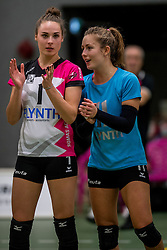22-10-2016 NED: Springendal/Set Up`65 - Flynth Flamingo's Activia, Ootmarsum<br /> In Ootmarsum was Set-Up'65 in vier sets te sterk voor Fast. In de eerste drie sets was het verschil minimaal (25-23, 23-25, 26-24) / Rachel Feron #1 of Flamingo, Ireen Koenen #11 of Flamingo
