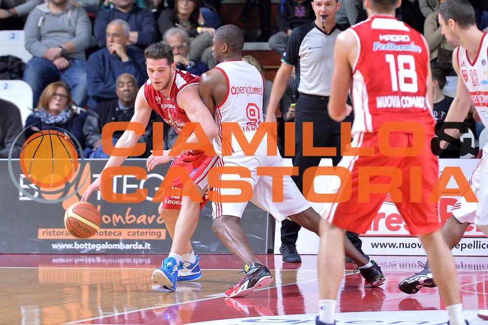 DESCRIZIONE : Varese Lega A 2014-15 Openjobmetis Varese Giorgio Tesi Group Pistoia<br /> GIOCATORE : Amoroso Valerio<br /> CATEGORIA : Palleggio controcampo<br /> SQUADRA : Giorgio Tesi Group Pistoia<br /> EVENTO : Campionato Lega A 2014-2015<br /> GARA : Openjobmetis Varese Giorgio Tesi Group Pistoia<br /> DATA : 04/01/2015<br /> SPORT : Pallacanestro <br /> AUTORE : Agenzia Ciamillo-Castoria/I.Mancini<br /> Galleria : Lega Basket A 2014-2015 <br /> Fotonotizia : Varese Lega A 2014-15 Openjobmetis Varese Giorgio Tesi Group Pistoia<br /> Predefinita :