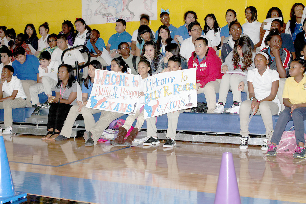 Billy Reagan students got an encouraging special visit from the Texans' Kareem Jackson.