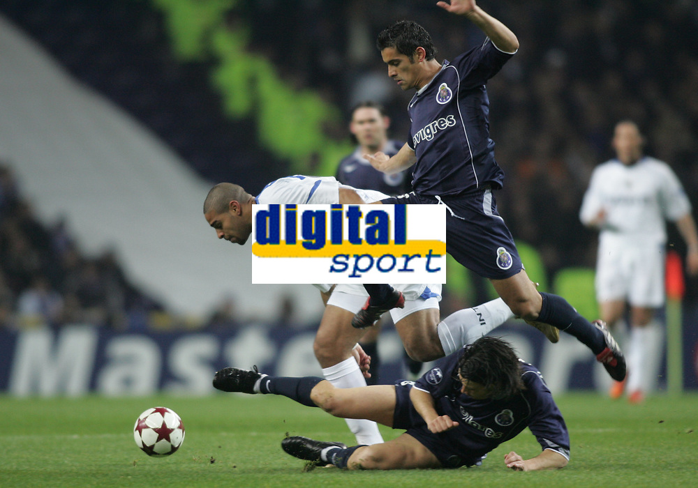 "PORTUGAL - PORTO 23 FEBRUARY 2005: RIBEIRO ADRIANO LEITE #10 (L), RICARDO COSTA Moreira #5 (A) and ""MANICHE"" Nuno Ricardo Oliveira Ribeiro #18 compete for the ball, First Knock-out Round First Leg of the UEFA Champions League, match FC Porto (1) vs FC Internazionale (1), held in ""Dragao"" stadium  23/02/2005  19:50:13<br />