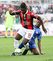 (Allan Saint Maximin L) Nice in duel with Bakari Koné Strasbourg during the match of League 1 at the Allianz Riviera Stadium in Nice in France on October 22nd, 2017. Nice defeated against Strasbourg 1-2  (Credit Image: © Serge Haouzi/Xinhua via ZUMA Wire)