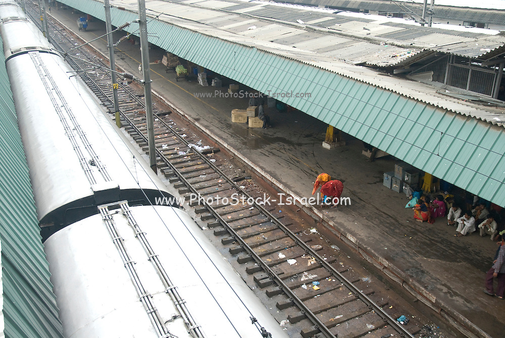 India, Delhi, The railway station