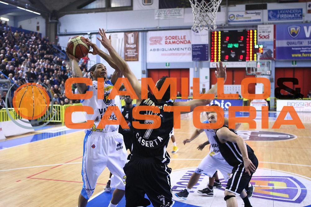 DESCRIZIONE : Cremona Lega A 2011-2012 Vanoli Braga Cremona Pepsi Caserta GIOCATORE : Terrence Roderick SQUADRA : Vanoli Braga Cremona DATA : 2011-12-12CATEGORIA : SPORT : Pallacanestro AUTORE : AGENZIA CIAMILLO & CASTORIA/G.Ciamillo
