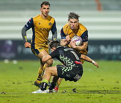 Jason Woodward of Bristol Rugby is tackled by Bastien Pourailly of Pau - Rogan Thomson/JMP - 16/12/2016 - RUGBY UNION - Stade du Hameau - Pau, France - Pau v Bristol Rugby - EPCR Challenge Cup.