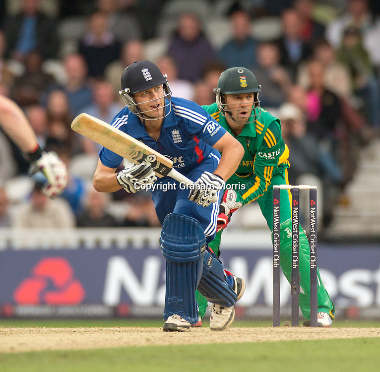 Jonathan Trott bats during the third NatWest Series one day international between England and South Africa at the Kia Oval, London. Photo: Graham Morris (Tel: +44(0)20 8969 4192 Email: sales@cricketpix.com) 31/08/12