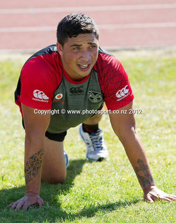 Kevin Locke takes part in a pre- season training session of the Warriors Rugby League Squad, AUT Millennium, Auckland, New Zealand, Thursday, November 08, 2012. Photo: David Rowland/PHOTOSPORT