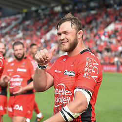 Duane Vermeulen of Toulon celebrates the Victory during the French Top 14 match between RC Toulon and Castres at Felix Mayol Stadium on April 28, 2018 in Toulon, France. (Photo by Alexandre Dimou/Icon Sport)