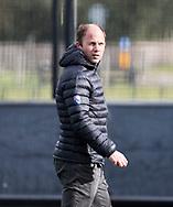 BLOEMENDAAL -  coach Teun de Nooijer (Bl'daal). .hockey hoofdklasse dames Bloemendaal-Den Bosch (0-6) . COPYRIGHT KOEN SUYK