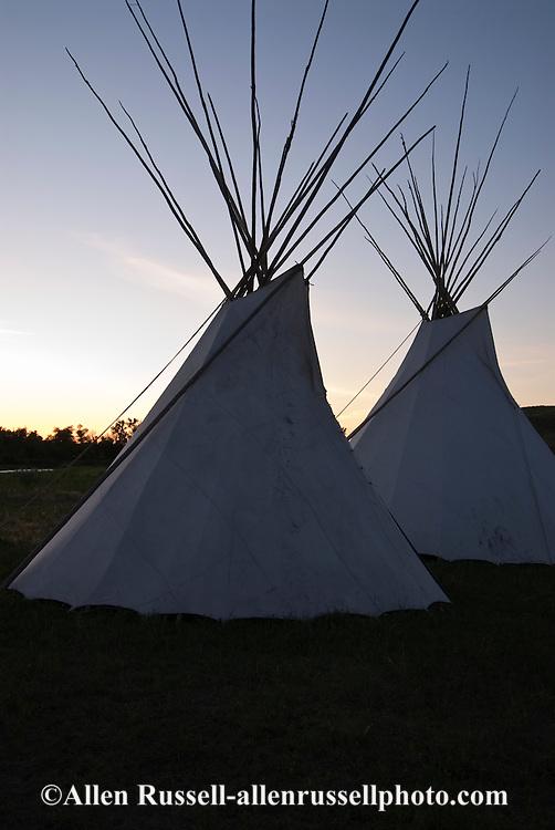 Crow Indian Reservation, Montana, tipi.