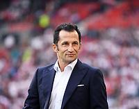 Fussball  1. Bundesliga  Saison 2018/2019  2. Spieltag  VfB Stuttgart - FC Bayern Muenchen         01.09.2018 Sportdirektor Hasan Salihamidziuc (FC Bayern Muenchen) DFL regulations prohibit any use of photographs as image sequences and/or quasi-video.