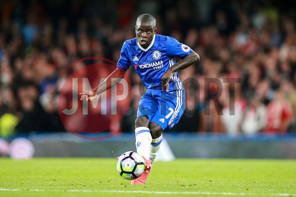 Ngolo Kante of Chelsea in action - Mandatory by-line: Jason Brown/JMP - 16/09/2016 - FOOTBALL - Stamford Bridge - London, England - Chelsea v Liverpool - Premier League