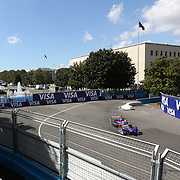 Roma 13/04/2018 <br /> ABB FIA Formula E Championship<br /> Gran Premio di Roma <br /> un passaggio davanti al Colosseo quadrato