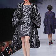 NLD/Amsterdam/20100906 - Modeshow Ronald Kolk najaar 2010, mannequins op de catwalk