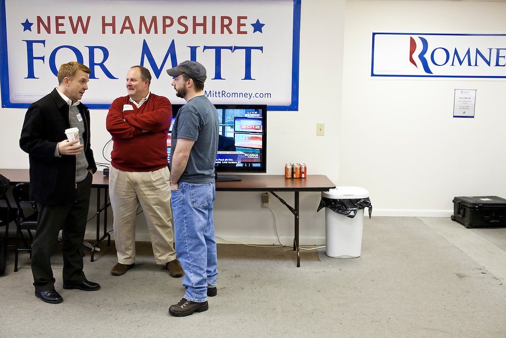 Campaign staff in the New Hampshire campaign headquarters of Republican presidential candidate Mitt Romney on Monday, January 9, 2012 in Manchester, NH. Brendan Hoffman for the New York Times