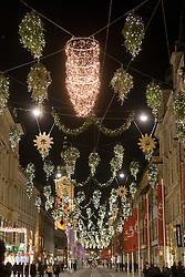 13.12.2010, Graz, AUT, Feature, im Bild Weihnachtsbeleuchtung in der Herrengasse, EXPA Pictures © 2010, PhotoCredit: EXPA/ Erwin Scheriau