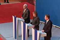 12 NOV 2003, BERLIN/GERMANY:<br /> Edmund Stoiber (L), CSU, Ministerpraesidnet Bayern, Angela Merkel (M), CDU Bundesvorsitzende, und Guido Westerwelle (R), FDP Bundesvorsitzender, waehrend einer Pressekonferenz zu dem vorangegangenen  Spitzentrfffen von Politiker der CDU/CSU und der FDP, axica Kongress- und Tagungszentrum<br /> IMAGE: 20031112-01-038<br /> KEYWORDS: Opposition, Spitzengespraech
