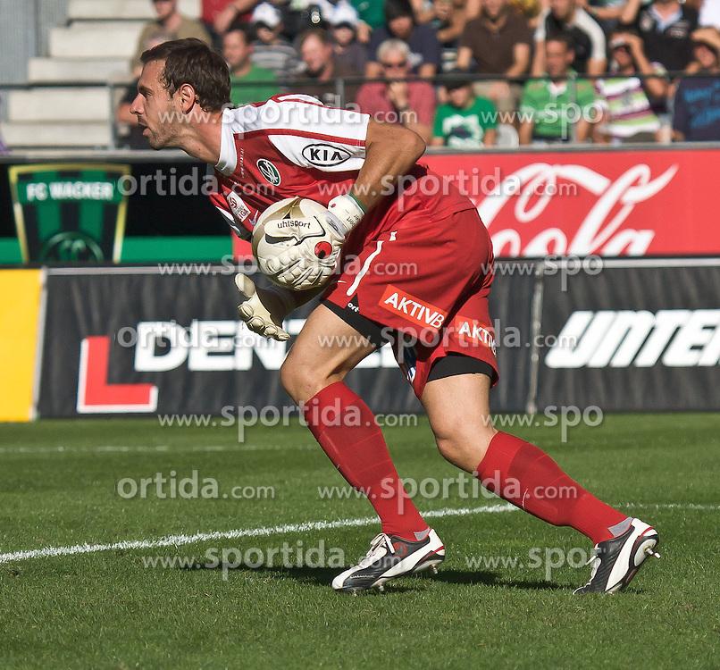 11.09.2010, Tivoli, Innsbruck, AUT, 1. FBL, FC Wacker Innsbruck vs SV Josko Ried, im Bild Hubert Auer,(SV Josko Ried, Keeper, #33)., EXPA Pictures © 2010, PhotoCredit: EXPA/ P. Rinderer / SPORTIDA PHOTO AGENCY