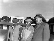 19/09/1960<br /> 09/19/1960<br /> 19 September 1960<br /> Goffs September Bloodstock Sales at Ballsbridge, Dublin. The Ballsbridge September Yearling Sales opened in Dublin and attracted many international racing personalities. Picture shows (l-r): Dr. Frank Power, California, American owner; Mr P.J. Prendergast, Irish Trainer and Mr Tom Barry, New Jersey, USA, Trainer, chatting at the sales.