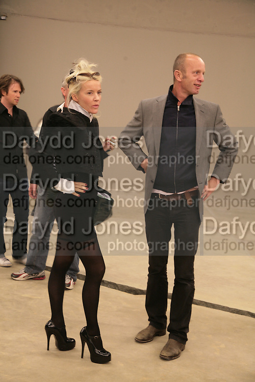 DAPHNE GUINNESS AND JOHNNY SHAND KYDD, Doris Salcedo  installation and Louise Bourgeois - private view. Dinner afterwards for the Louise Bourgeois exhibition. Tate Modern, London, SE1,-DO NOT ARCHIVE-© Copyright Photograph by Dafydd Jones. 248 Clapham Rd. London SW9 0PZ. Tel 0207 820 0771. www.dafjones.com.