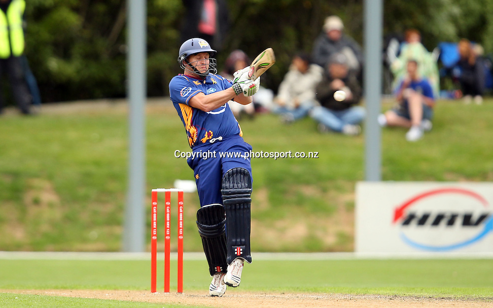Craig Cumming in action for the Volts.<br /> Twenty20 Cricket - HRV Cup, Otago Volts v Central Stags, 18 December 2011, University Oval, Dunedin, New Zealand.<br /> Photo: Rob Jefferies/PHOTOSPORT