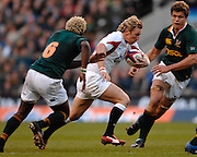 Twickenham, GREAT BRITAIN, Peter RICHARDS, runs between, Kabamba FLOORS [6] and Jan SMITH, during the, Investec 2006 Rugby Challenge, England vs South Africa, at Twickenham Stadium, ENGLAND on Sat 25.11.2006. [Photo, Peter Spurrier/Intersport-images]