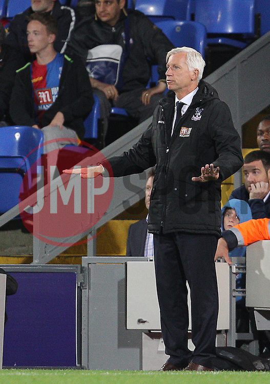 Crystal Palace Manager Alan Pardew - Mandatory byline: Paul Terry/JMP - 07966386802 - 25/08/2015 - FOOTBALL - Selhurst Park -London,England - Crystal Palace v Shrewsbury town - Capital One Cup - Second Round