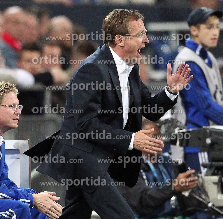26.04.2011, Veltins Arena, Gelsenkirchen, GER, UEFA CL, Halbfinale Hinspiel, Schalke 04 (GER) vsManchester United (ENG), im Bild: Ralf Rangnick (Trainer Schalke 04) (R)   // during the UEFA CL, Semi Final first leg, Schalke 04 (GER) vs Manchester United (ENG), at the Veltins Arena, Gelsenkirchen, 26/04/2011 EXPA Pictures © 2011, PhotoCredit: EXPA/ nph/  Mueller *** Local Caption ***       ****** out of GER / SWE / CRO  / BEL ******