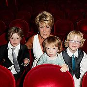 NLD/Amsterdam/20120617 - Premiere Het Geheugen van Water, cast, oma Puk Croiset en kinderen van Tjitske Reidinga en partner Vincent Croiset