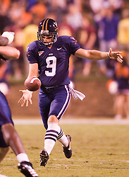 Virginia kicker Chris Gould (9)..The Virginia Cavaliers faced the Pittsburgh Panthers at Scott Stadium in Charlottesville, VA on September 29, 2007.