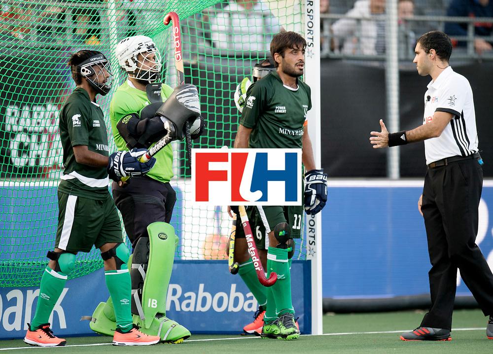 BREDA - Rabobank Hockey Champions Trophy<br /> The Netherlands - Pakistan<br /> Photo: Pakistani pc defense.<br /> COPYRIGHT WORLDSPORTPICS FRANK UIJLENBROEK