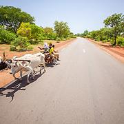LÉGENDE: La route réhabilité par la BAD qui rélie N'Djaména - Koumra et Sarh. LIEU: Koumra, Tchad. PERSONNE(S): N/A.