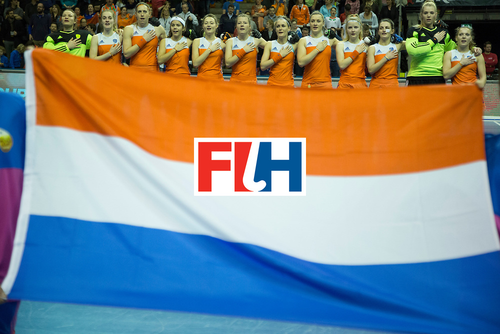 Hockey, Seizoen 2017-2018, 11-02-2018, Berlijn,  Max-Schmelling Halle, WK Zaalhockey 2018 WOMEN, Finale Nederland - Duitsland 1-2, The Dutch Team Worldsportpics copyright Willem Vernes