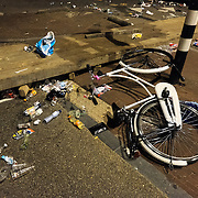 Nederland,Utrecht, 04-07-2015 .  Carbage recycling depot Saturday night in the city centre after the first course of Tour de France festival. Foto: Gerard Til / Hollandse Hoogte