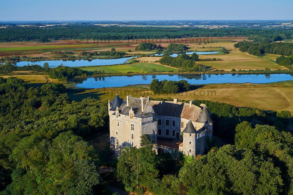 France, Indre (36), le Berry, parc naturel régional de la Brenne, Rosnay, chateau du Bouchet // France, Indre (36), le Berry, Brenne, natural park, Castle of Bouchet