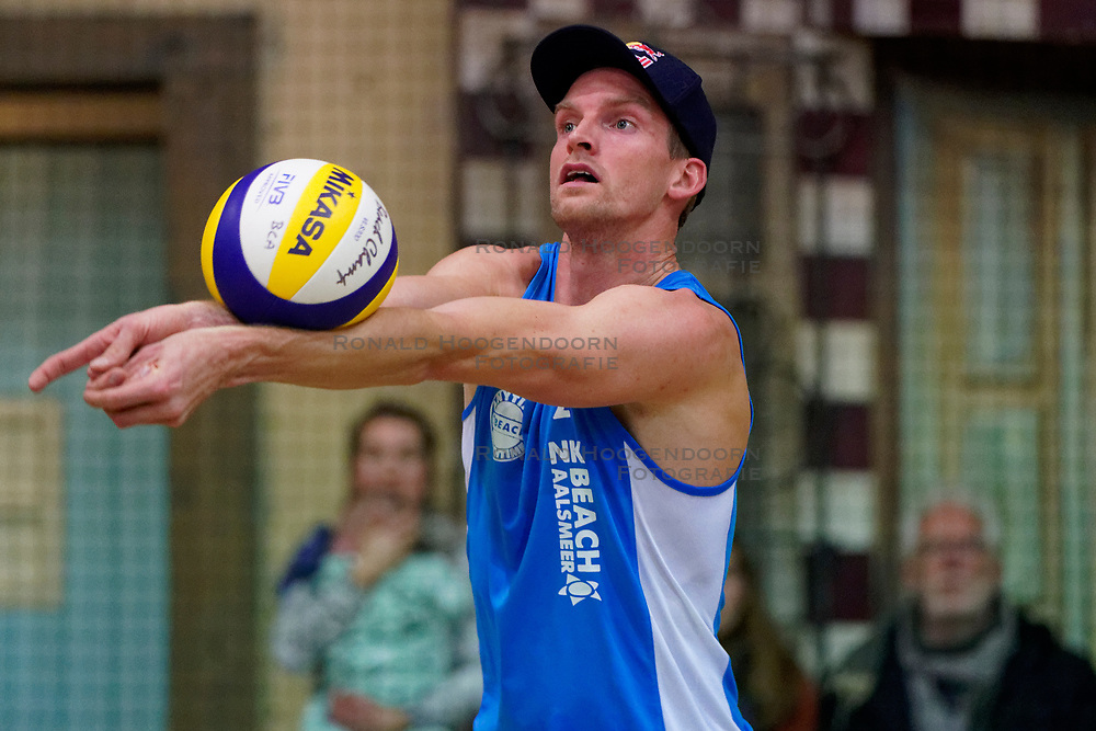 04-01-2020 NED: NK Beach volleyball Indoor, Aalsmeer<br /> Robert Meeuwsen #2