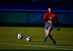 BANGOR, WALES - Monday, October 15, 2018: Wales' goalkeeper Callum during the pre-match warm-up before the UEFA Under-19 International Friendly match between Wales and Poland at the VSM Bangor Stadium. (Pic by Paul Greenwood/Propaganda)
