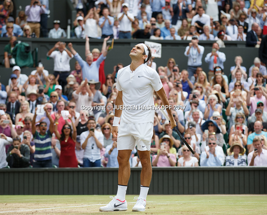 Sieger ROGER FEDERER (SUI),jubelt,Jubel,Freude,Emotion,Fans,Zuschauer, Endspiel, Final<br /> <br /> Tennis - Wimbledon 2016 - Grand Slam ITF / ATP / WTA -  AELTC - London -  - Great Britain  - 16 July 2017.