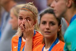 07-07-2019 FRA: Final USA - Netherlands, Lyon<br /> FIFA Women's World Cup France final match between United States of America and Netherlands at Parc Olympique Lyonnais. USA won 2-0 / Daniëlle van de Donk #10 of the Netherlands, Sari van Veenendaal #1 of the Netherlands, Jackie Groenen #14 of the Netherlands