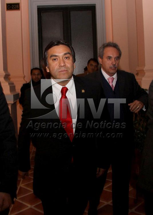 Toluca, Mex.- Con 45 votos a su favor, el magistrado Barush Delgado se convirti&oacute; la noche de este lunes en el nuevo presidente del Tribunal Superior de Justicia del Estado de M&eacute;xico, en sustituci&oacute;n de Jos&eacute; Castillo Ambriz, quien cumpli&oacute; con el plazo legal para el que fue elegido. Agencia MVT / Jos&eacute; Hern&aacute;ndez. (DIGITAL)<br /> <br /> NO ARCHIVAR - NO ARCHIVE