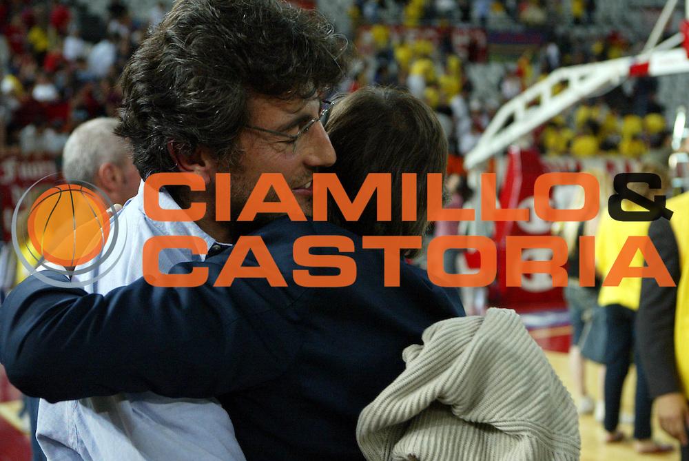 DESCRIZIONE : Roma Lega A1 2005-06 Play Off Semifinale Gara 2 Lottomatica Virtus Roma Benetton Treviso <br />GIOCATORE : Vanghetti Toti<br />SQUADRA : Lottomatica Virtus Roma <br />EVENTO : Campionato Lega A1 2005-2006 Play Off Semifinale Gara 2 <br />GARA : Lottomatica Virtus Roma Benetton Treviso <br />DATA : 03/06/2006 <br />CATEGORIA : <br />SPORT : Pallacanestro <br />AUTORE : Agenzia Ciamillo-Castoria/D'Annibale