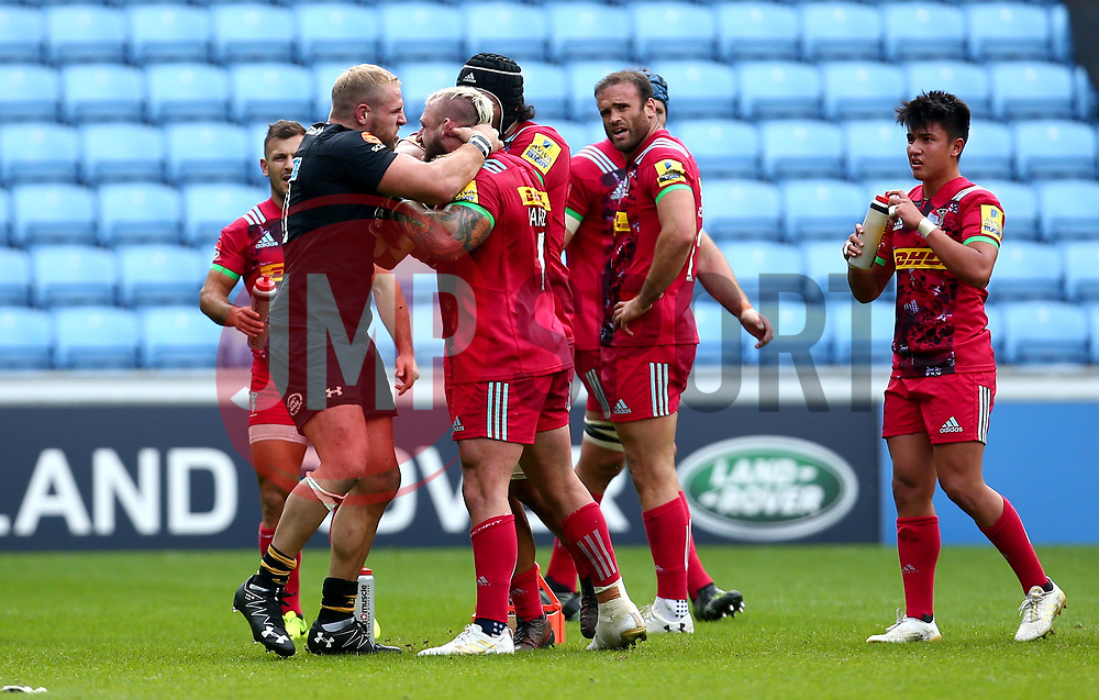 James Haskell of Wasps fights with Joe Marler of Harlequins and is subsequently is shown a yellow card and sent to the sin bin - Mandatory by-line: Robbie Stephenson/JMP - 17/09/2017 - RUGBY - Ricoh Arena - Coventry, England - Wasps v Harlequins - Aviva Premiership