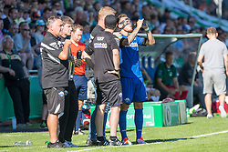 09.08.2015, Stadion Lohmühle, Luebeck, GER, DFB Pokal, VfB Luebeck vs SC Paderborn 07, 1. Runde, im Bild Marvin Bakalorz (Nr. 6, SC Paderborn) und Paderborns Trainer Markus Gellhaus // during German DFB Pokal first round match between VfB Luebeck vs SC Paderborn 07 at the Stadion Lohmühle in Luebeck, Germany on 2015/08/09. EXPA Pictures © 2015, PhotoCredit: EXPA/ Eibner-Pressefoto/ KOENIG<br /> <br /> *****ATTENTION - OUT of GER*****
