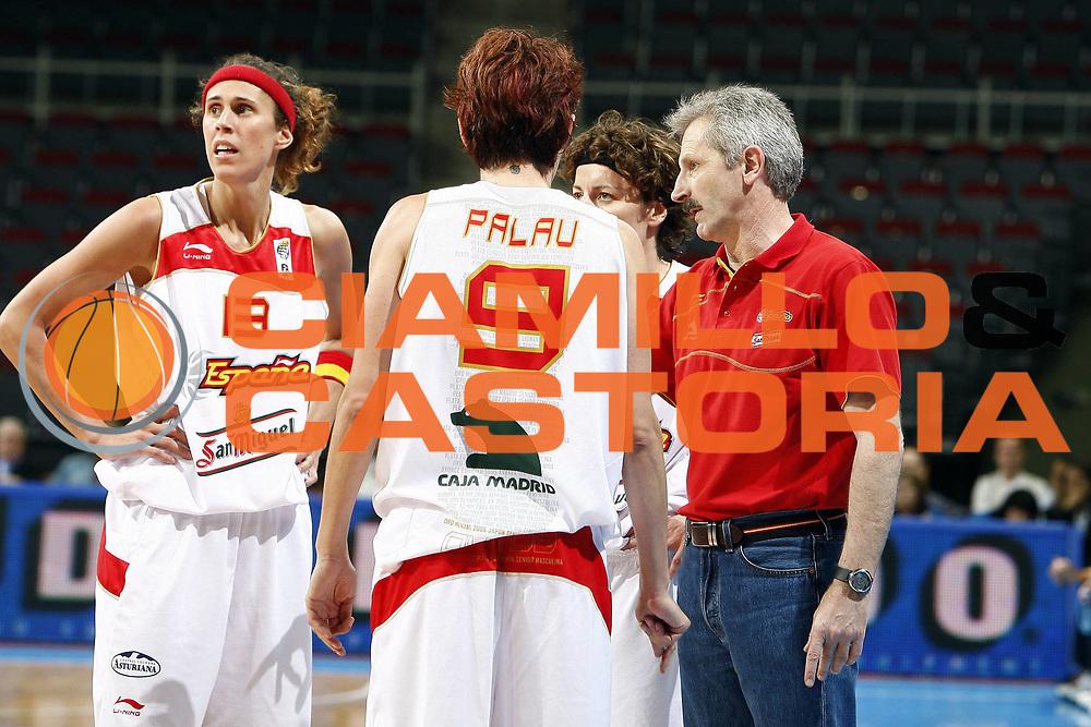 DESCRIZIONE : Riga Latvia Lettonia Eurobasket Women 2009 Quarter Final Spagna Italia Spain Italy<br /> GIOCATORE : Evaristo Perez Laia Palau Elisa Aguilar Amaya Valdemoro<br /> SQUADRA : Spagna Spain<br /> EVENTO : Eurobasket Women 2009 Campionati Europei Donne 2009 <br /> GARA : Spagna Italia Spain Italy<br /> DATA : 17/06/2009 <br /> CATEGORIA : ritratto<br /> SPORT : Pallacanestro <br /> AUTORE : Agenzia Ciamillo-Castoria/E.Castoria