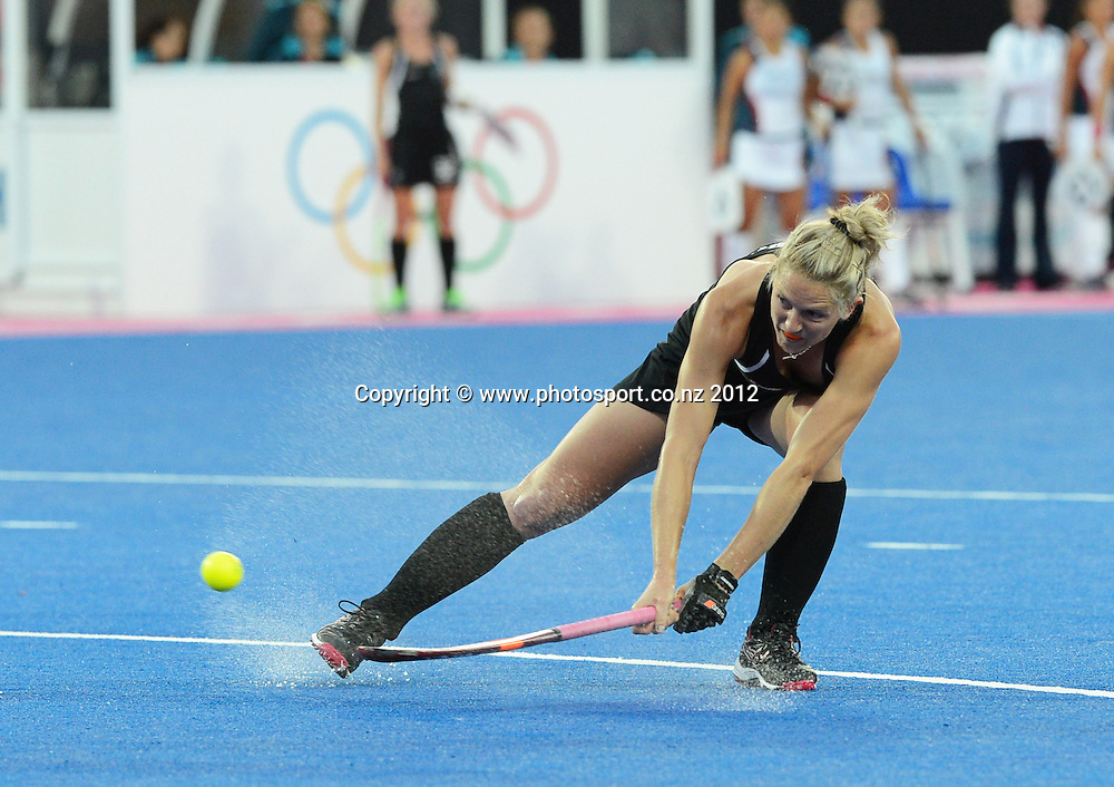 New Zealand's Stacey Michelsen during the Womens Hockey match, New Zealand v USA at Riverbank Arena, Olympic Games, London. United Kingdom. Saturday 4 August 2012. Photo: Andrew Cornaga / Photosport.co.nz