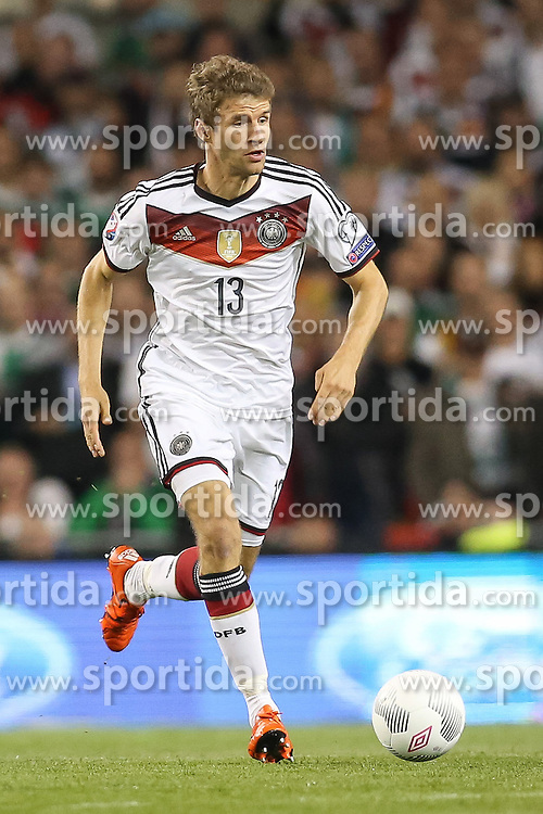 08.10.2015, Avia Stadium, Dublin, IRL, UEFA Euro Qualifikation, Irland vs Deutschland, Gruppe D, im Bild Thomas Mueller (Bayern Muenchen #13) // during the UEFA EURO 2016 qualifier group D match between Ireland and Germany at the Avia Stadium in Dublin, Ireland on 2015/10/08. EXPA Pictures &copy; 2015, PhotoCredit: EXPA/ Eibner-Pressefoto/ Risto Bozovic<br /> <br /> *****ATTENTION - OUT of GER*****
