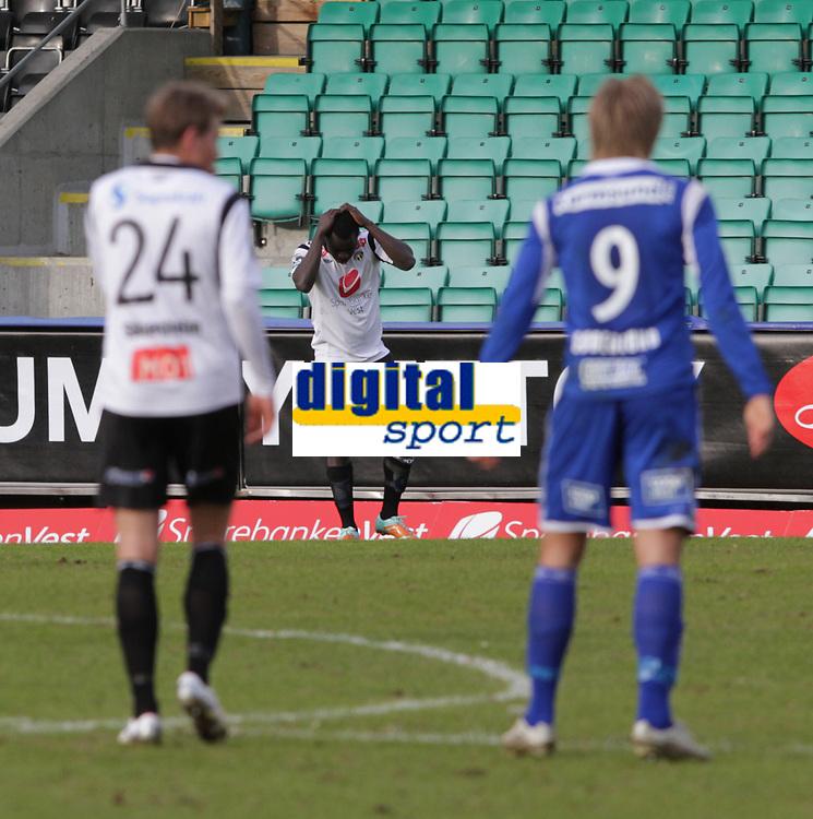 Fotball , 15. april 2012, Tippeligaen Eliteserien , Sogndal - Haugesund<br /> <br /> Foto: Christian Blom , Digitalsport (L) Eirik Bergum Skaasheim, (M) Malik Mane Sogndal. (L) Alexander S&oslash;derlund Haugesund