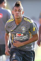 Neymar participar de uma sessão de treino da seleção brasileira de futebol no estádio Arena da Baixada, em Goiânia, Brasil, em 02 de junho de 2011. Brasil vai enfrentar a Holanda em um amistoso em 04 de junho na cidade brasileira. FOTO: Jefferson Bernardes/Preview.com