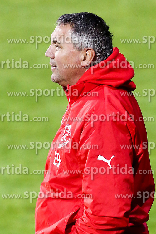 01.05.2015, Sportplatz FAC, Wien, AUT, 2. FBL, Floridsdorfer AC vs KSV 1919, 31. Runde, im Bild Peter Pacult (Floridsorfer AC, Trainer) // during Austrian Football Second Bundesliga Match, 31th round, between Floridsdorfer AC and KSV 1919 at the Sportplatz FAC, Vienna, Austria on 2015/05/01. EXPA Pictures © 2015, PhotoCredit: EXPA/ Alexander Forst