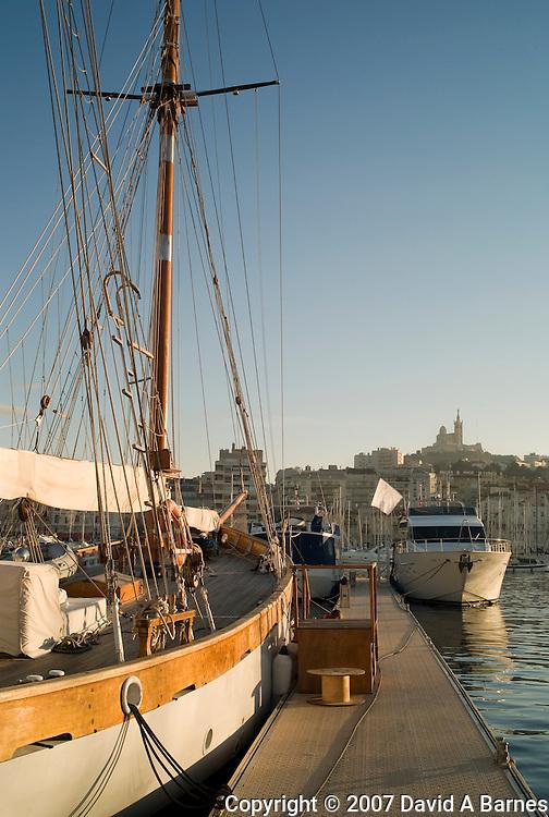 France, Provence, Bouches du Rhone, Marseille, Vieux Port, skooner